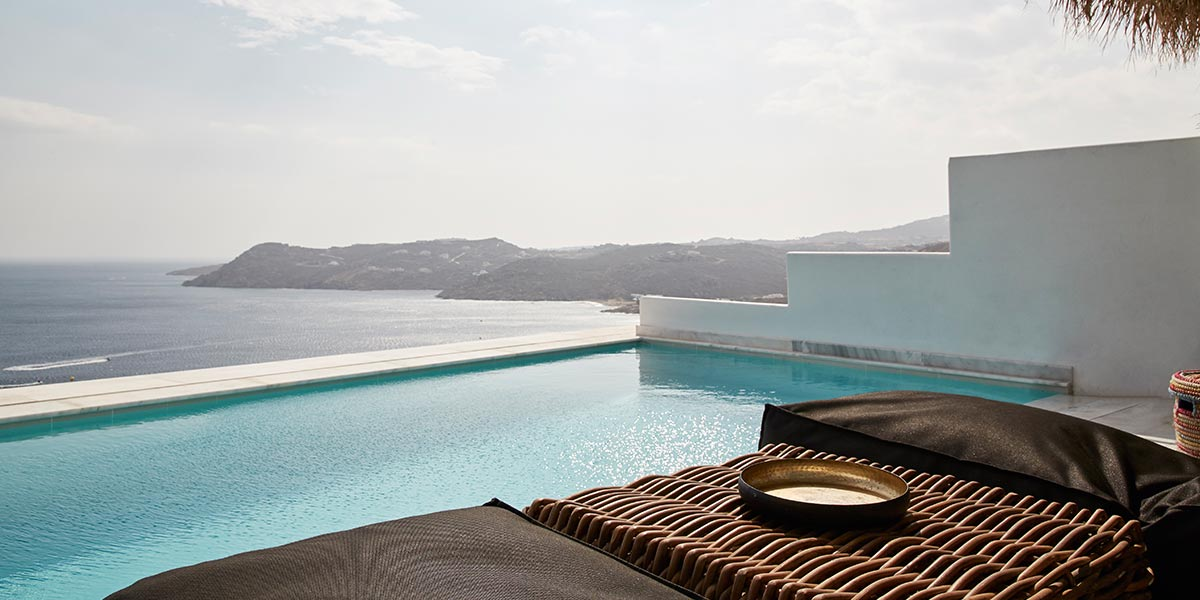 Lover`s-Open-Plan-Suite-with-Private-Pool-001
